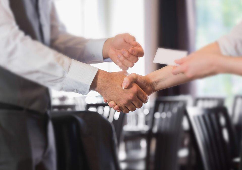 Crea il biglietto da visita perfetto per il tuo Business!